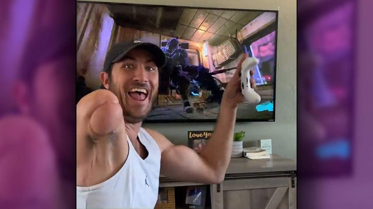 Геймер, который потерял руку во время несчастного случая стал настоящей звездой интернета - Игры - Games